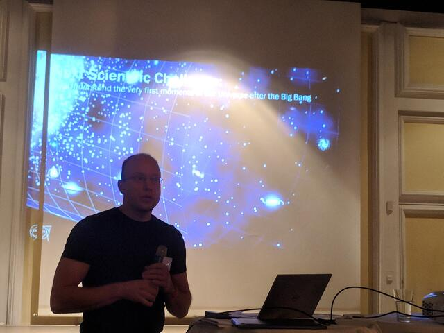 Jan Janke explaining what CERN does and how they use Pentaho